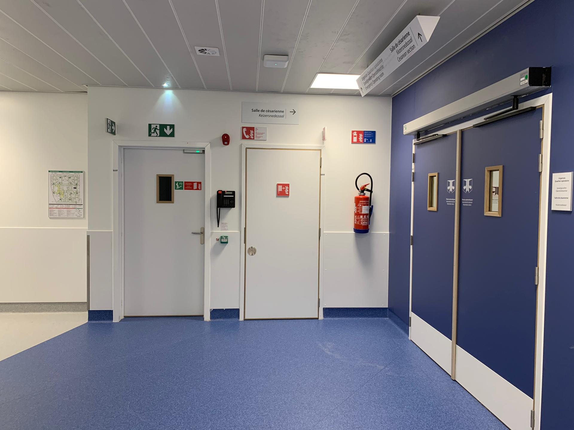 Veiligheidssignalisatie brand en evacuatie, evacuatieplan en pictogrammen, veiligheidsborden interne wayfinding bij Chirac Delta door Actual Sign, member of the Remotec Group