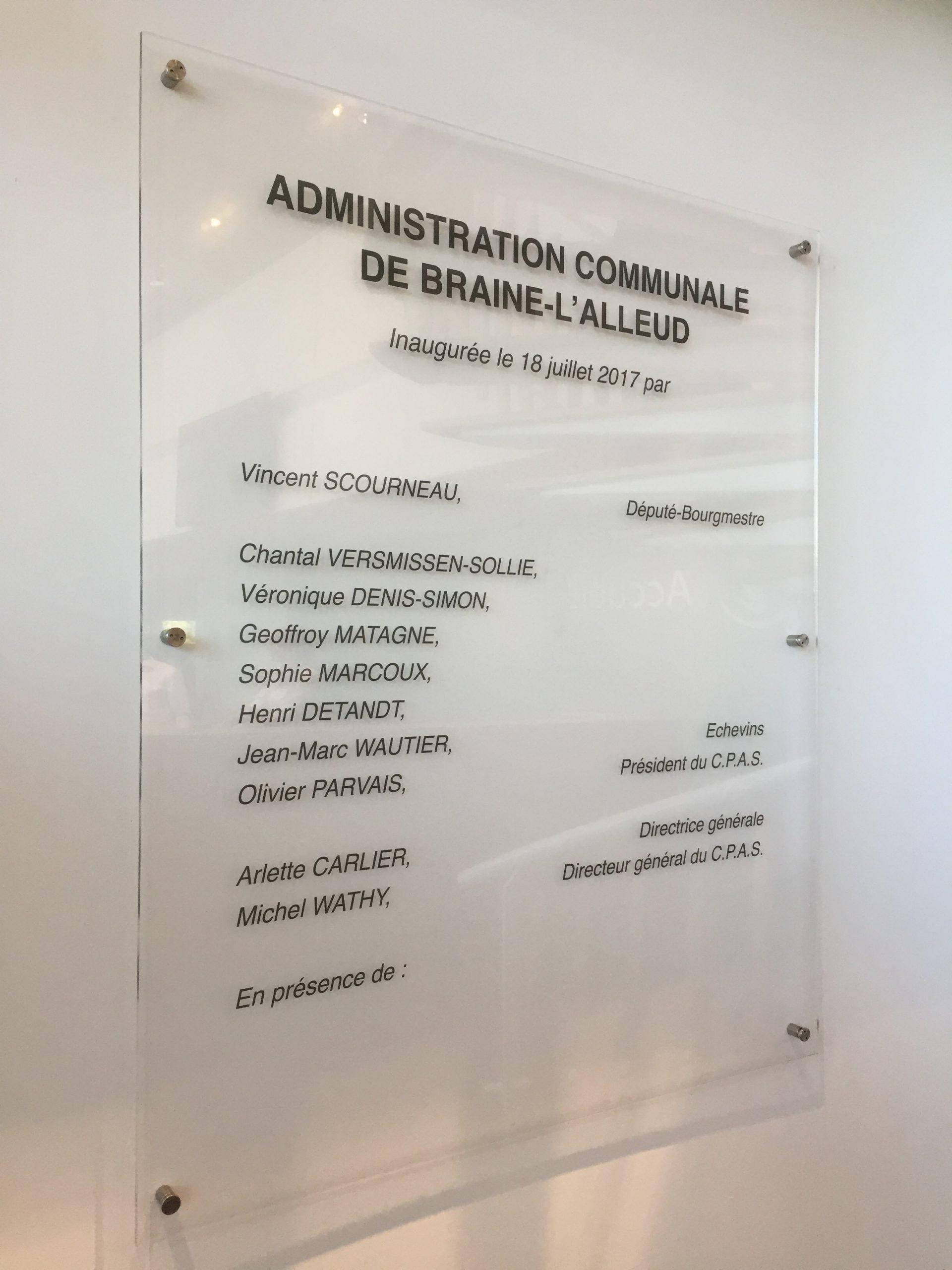 Wayfinding – indoor informatiebord om de werknemers weer te geven signalisatie indoor circulatie by actual sign member of the remotec group